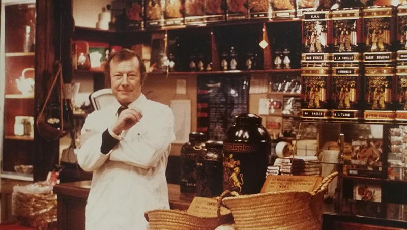 Table de cafés et de thés depuis 1921